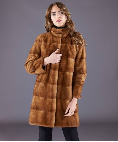 Mink fur coat ring collar and long sleeve • honey colour